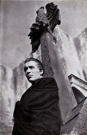 christopher-lee-hammer-dracula
